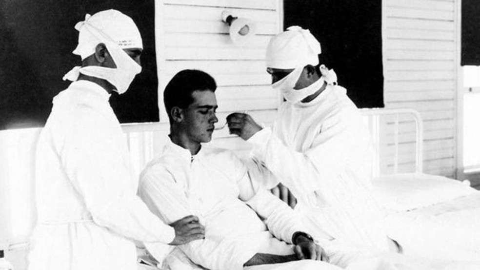 Cerca de 5 milhões de sobreviventes da pandemia de gripe espanhola experimentaram um estado de exaustão de longo prazo — Foto: Getty Images/ BBC